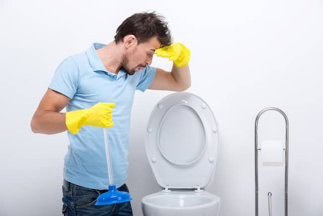 How To Clean Up Overflowed Toilet Water